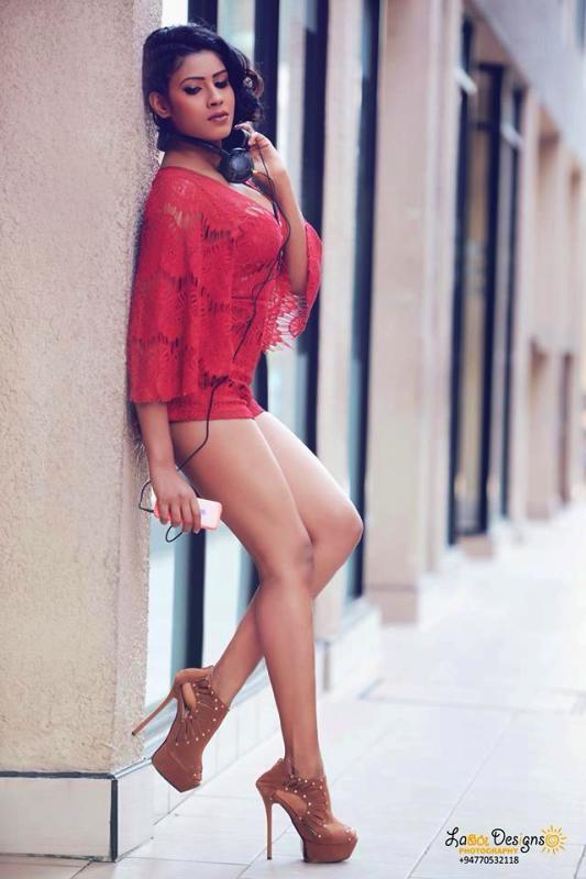 Nilu Tanasha bikini photos
