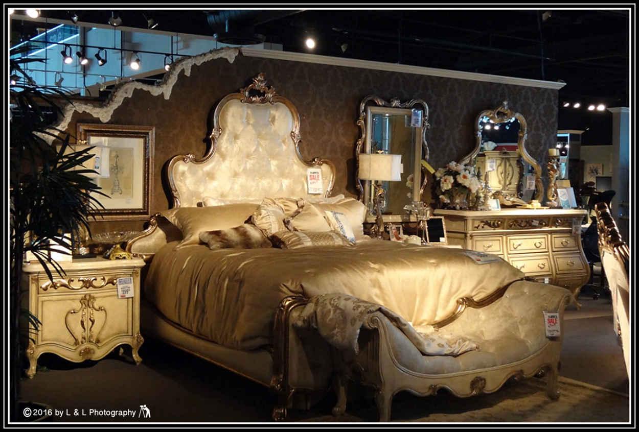 Merveilleux Kaneu0027s Furniture Has Been A Fixture In Ocala For A Number Of Years. It Is  An Eclectic Store, Offering Something For Most Everyone...from Florida  Kitsch, ...