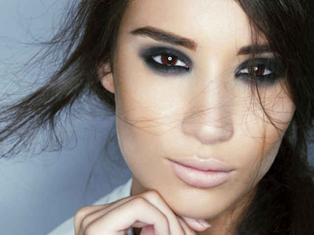 [Pratico-Pratiques] 8 astuces pour réaliser un smokey eye parfait