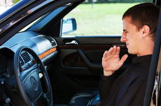 Tips Menghilangkan Bau Rokok Pada Kabin Mobil