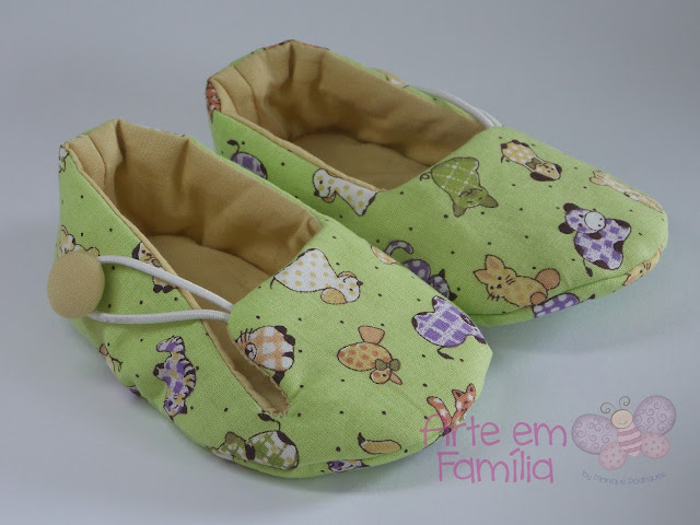 sapatinho de bebê em tecido, para menino e menina, com flores, laços e botões