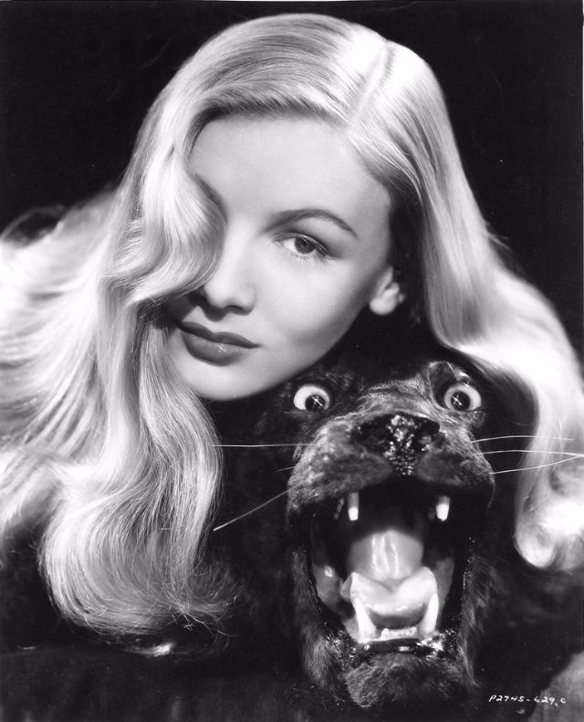 Veronica Lake The Peek,a,Boo Girl of the 1940s ~ vintage