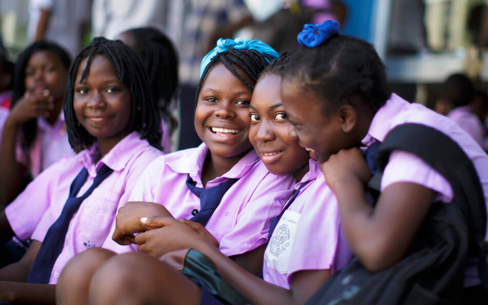 55 Stunning Photographs Of Girls Going To School In Different Countries - Mozambique