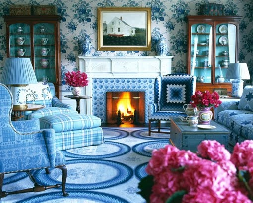 Hydrangea hill cottage rooms in bloom for Anthony baratta luna upholstered bed