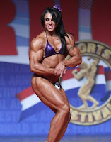 Female Bodybuilding Absolutely stunning !