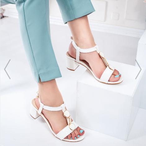 Sandale dama de zi si de birou albe cu toc gros frumoase la reducere