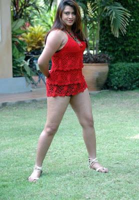 Farah Khan Cute Actress Fleshy Thigh Show Photos