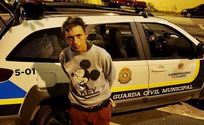 Resultado de imagem para Jovem que teve testa tatuada é detido suspeito de furtar funcionárias de posto de saúde