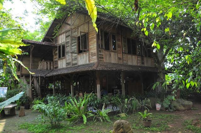 foto wisata rumah pohon bekasi