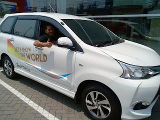 Foto-Mobil-Toyota-New Grand Avanza-Jakarta