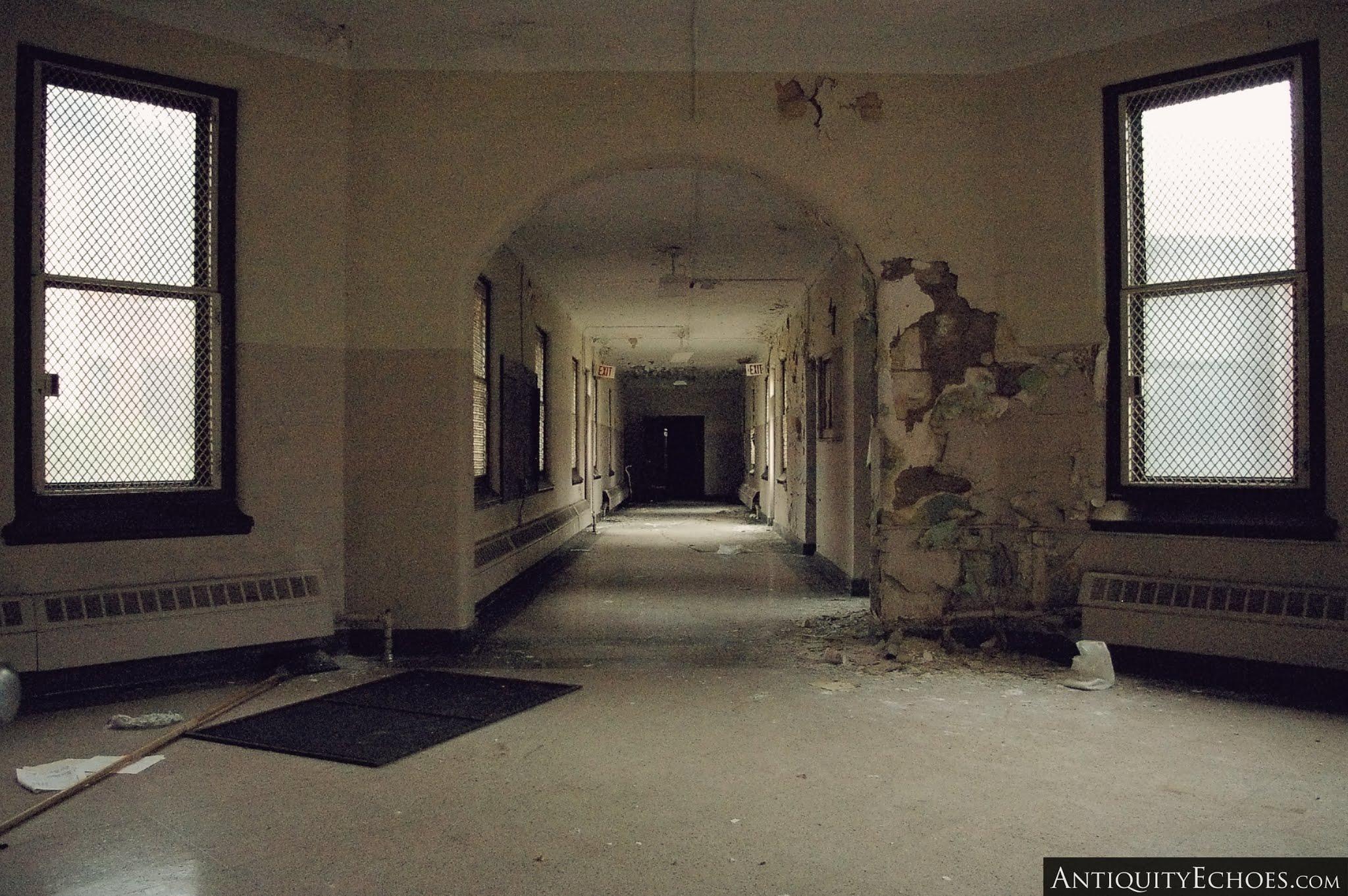 Overbrook Asylum - Wandering the Halls