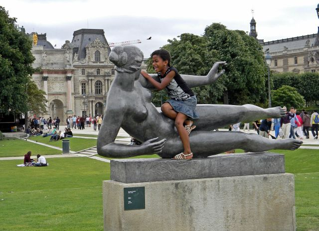 Luwr, rzeźba, turyści