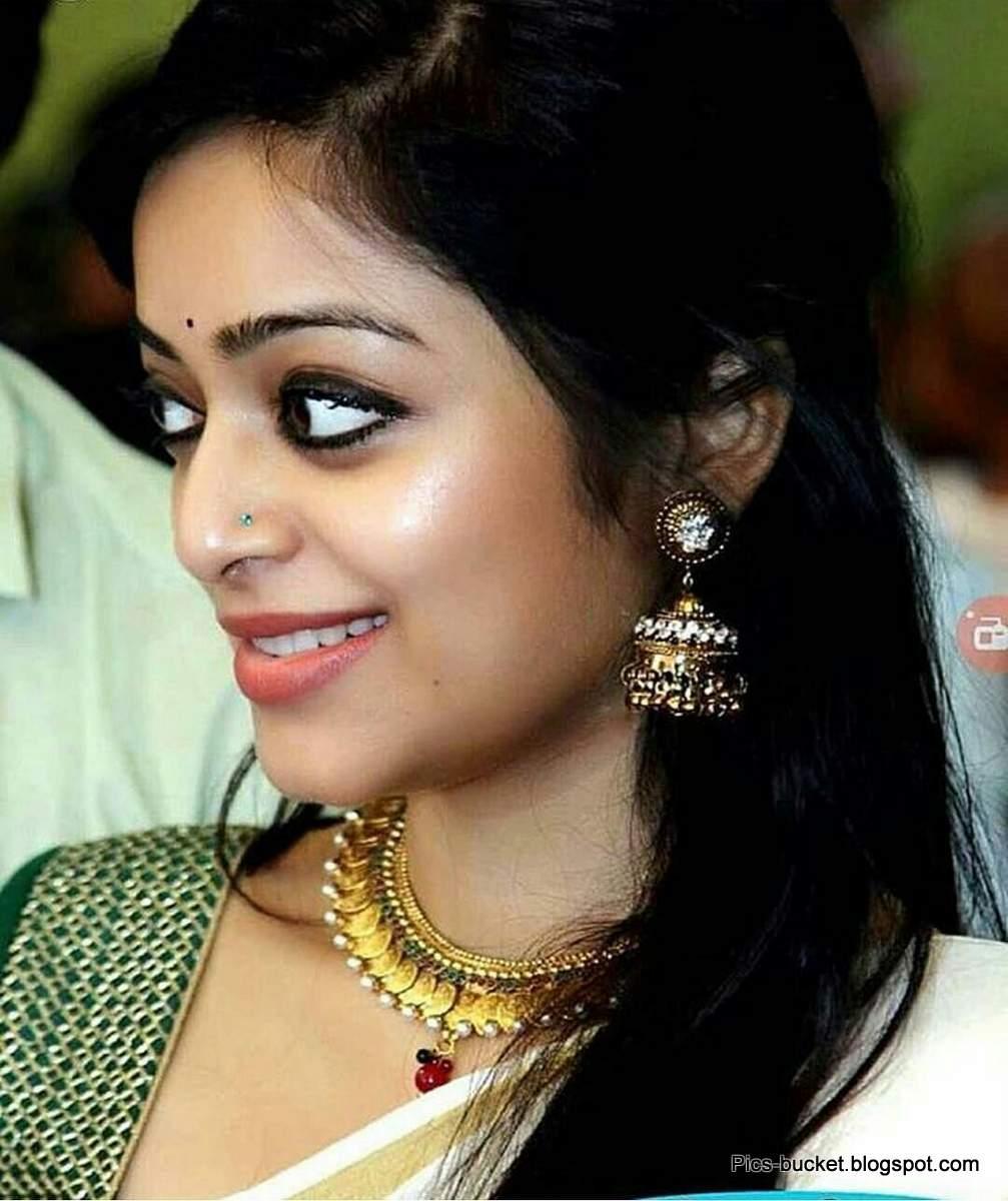 Beautiful Malayalam Actress Hot Photos And Wallpapers-7579