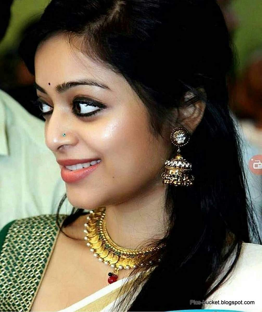 malayalam womens hot images