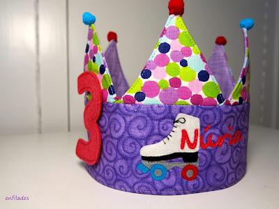 Corona d'aniversari patinadora per nens i nenes by Enfilades