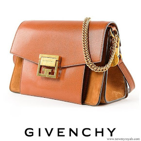 Queen Rania carried GIVENCHY small GV3 shoulder bag