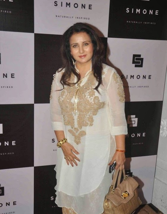 Gauri Khan & Sussanne Khan at Simone Arora's store launch