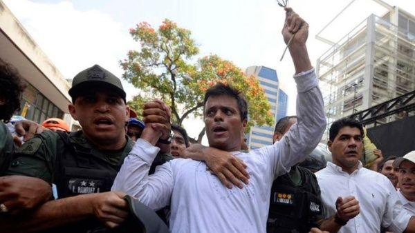 Leopoldo López se esconde en la embajada de Chile en Caracas