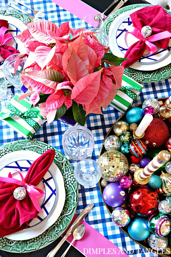 christmas tablescape, table setting ideas, mix and match patterns,