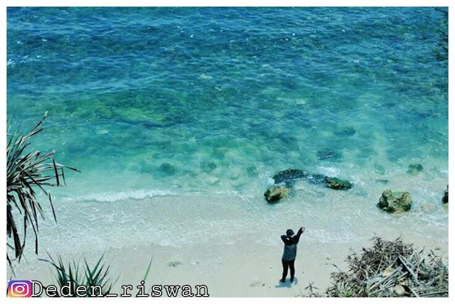 gambar pantai nglambor