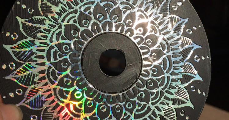 Crafty Crusaders Recycle Old Cd S And Dvd S Using Pebeo S