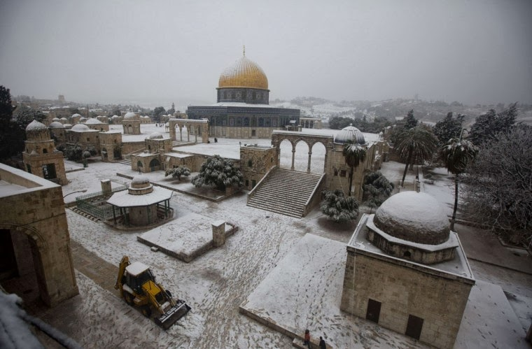 Snow Blankets Cairo For First Time In More Than 100 Years, Paralyzes Jerusalem