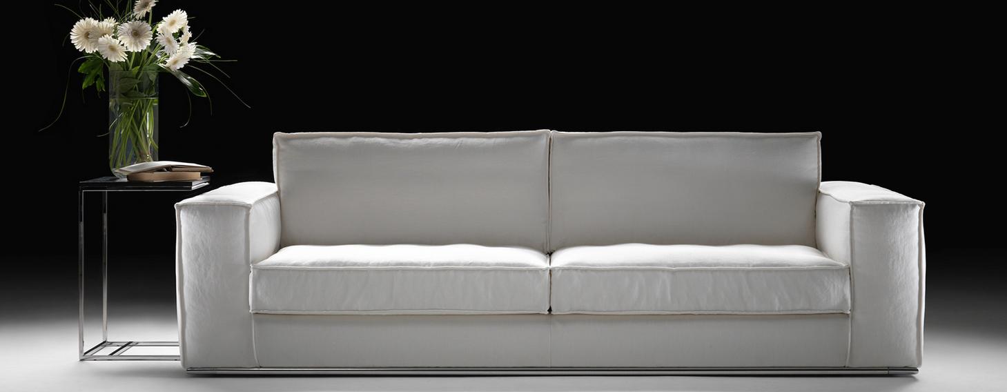 Divani blog tino mariani dettagli del divano moderno for Divano moderno