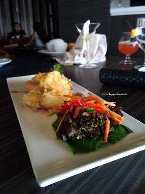 SEVENTEEN SKYVIEW RESTO & LOUNGE SURABAYA @ HARRISGUBENG : 9 + 1 NEW Menu Launching #tastemadeofseventeenlounge_SEVENTEENLOUNGE_SEVENTEEN_SEVENTEEN LOUNGE_HARRIS_HARRIS GUBENG_POP HOTEL_SURABAYA_KULINER_INDONESIA_KULINER SURABAYA_CONVENTIONS_FOOD GATHERING_FOODIE GATHERING_FOOD_FOOD BLOGGER_BLOGGER_BLOGGER SURABAYA_FOOD BLOGGER SURABAYA_DESSERT_SIRLOIN_TENDER_MEAT_KUMPUL FOODIES_TEMAN_FRIENDSHIP_GATHERING_TASTEMADEOFSEVENTEENLOUNGE_#TASTEMADEOFSEVENTEENLOUNGE_TASTEMADE_TASTE_MADE_TASTE MADE_FOOD TASTING_COBAIN MENU BARU_NEW_MENU BARU_NEW MENU_RAVIOLI_BRAISED OX-TOUNGE_BURGER_TRUFFLE BURGER_SIRLOIN