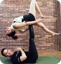 Manfaat Acroyoga Bagi Pasangan