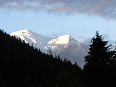 アルジェンティエールのキョンプ場から見えた山