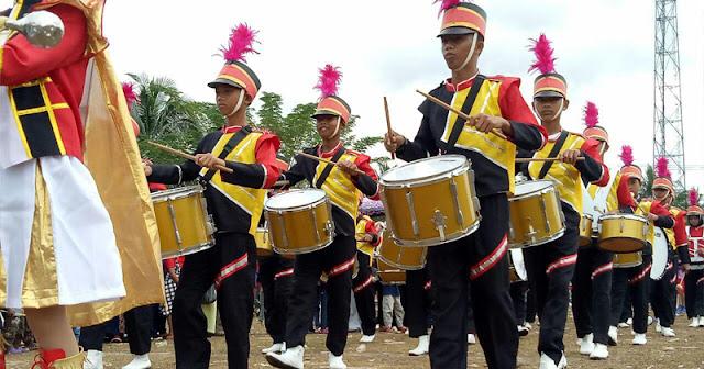 Drum band SMPN 1 Libureng Semarakkan Lomba Gerak Jalan Indah