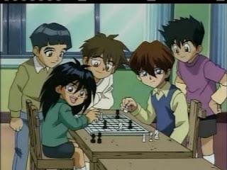Los dos hermanos teniendo un amistoso pero interesante partido de ajedrez