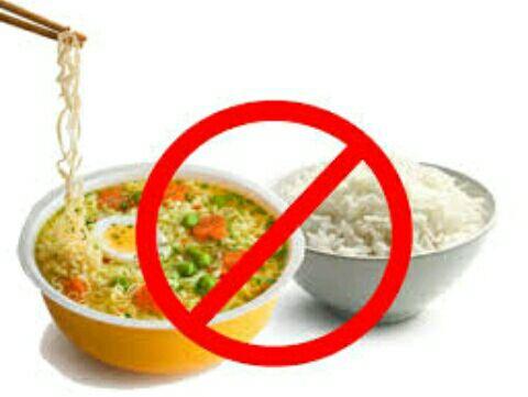 Bahaya makan mie dengan nasi, mie campur nasi.