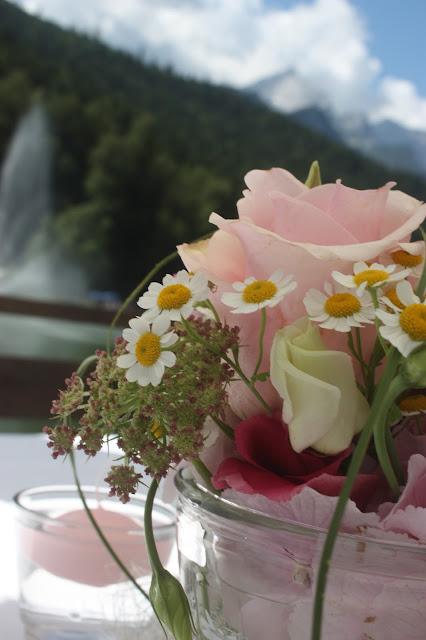 Sommerhochzeit auf dem Riessersee-Floss mit Rundfahrt über den See, heiraten in Garmisch-Partenkirchen, Riessersee Hotel Bayern