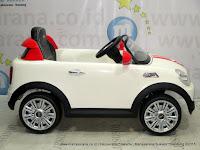 Mobil Mainan Aki DoesToys DT456EQ Mini Cooper Lisensi White