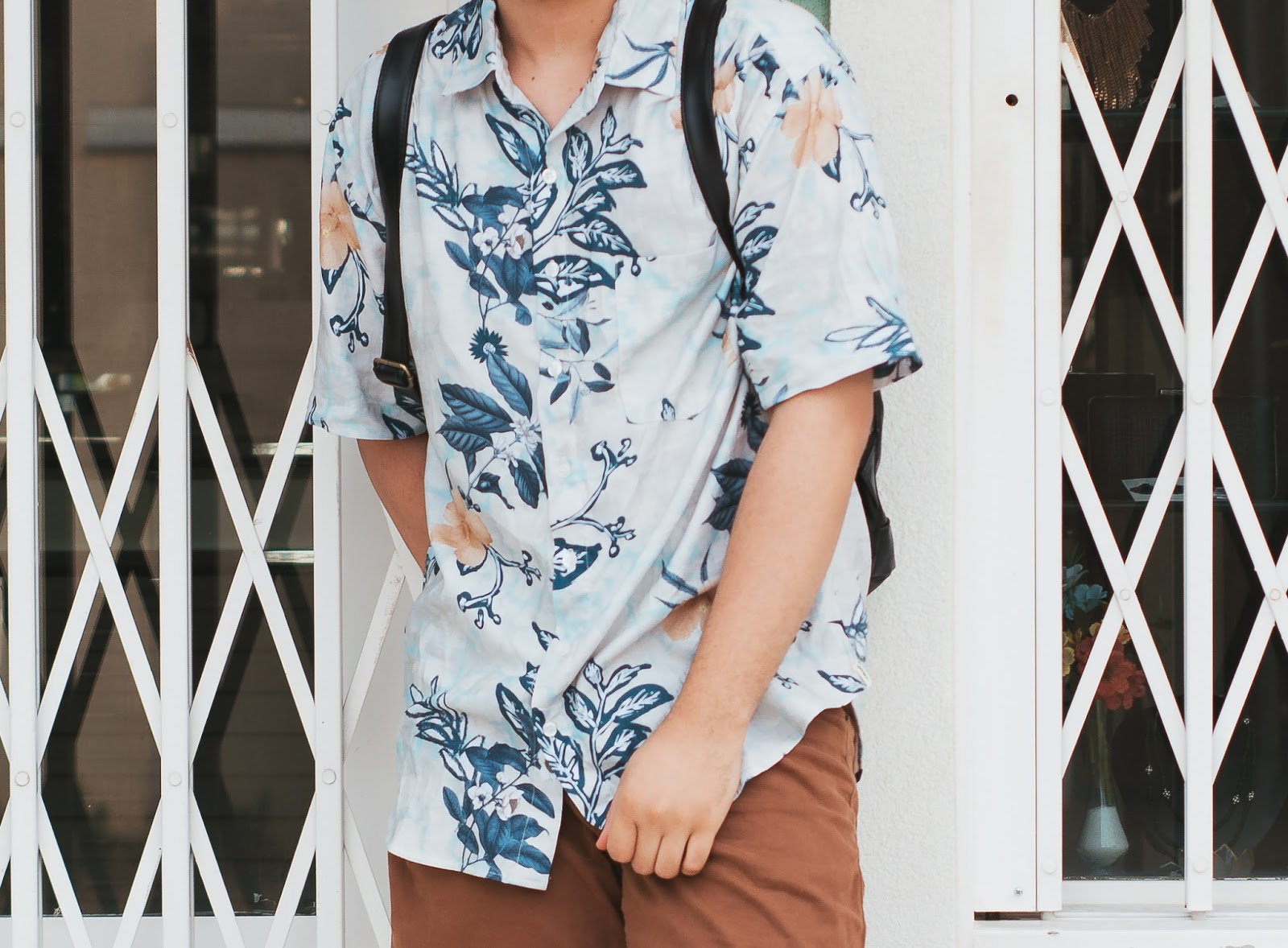 Look Masculino com Camisa Resort Estampada