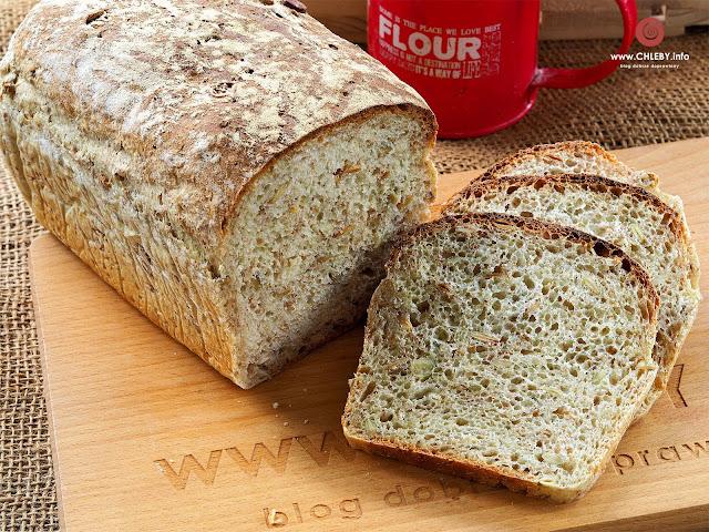 Chleb pszenny z otrębami żytnimi i pestkami słonecznika