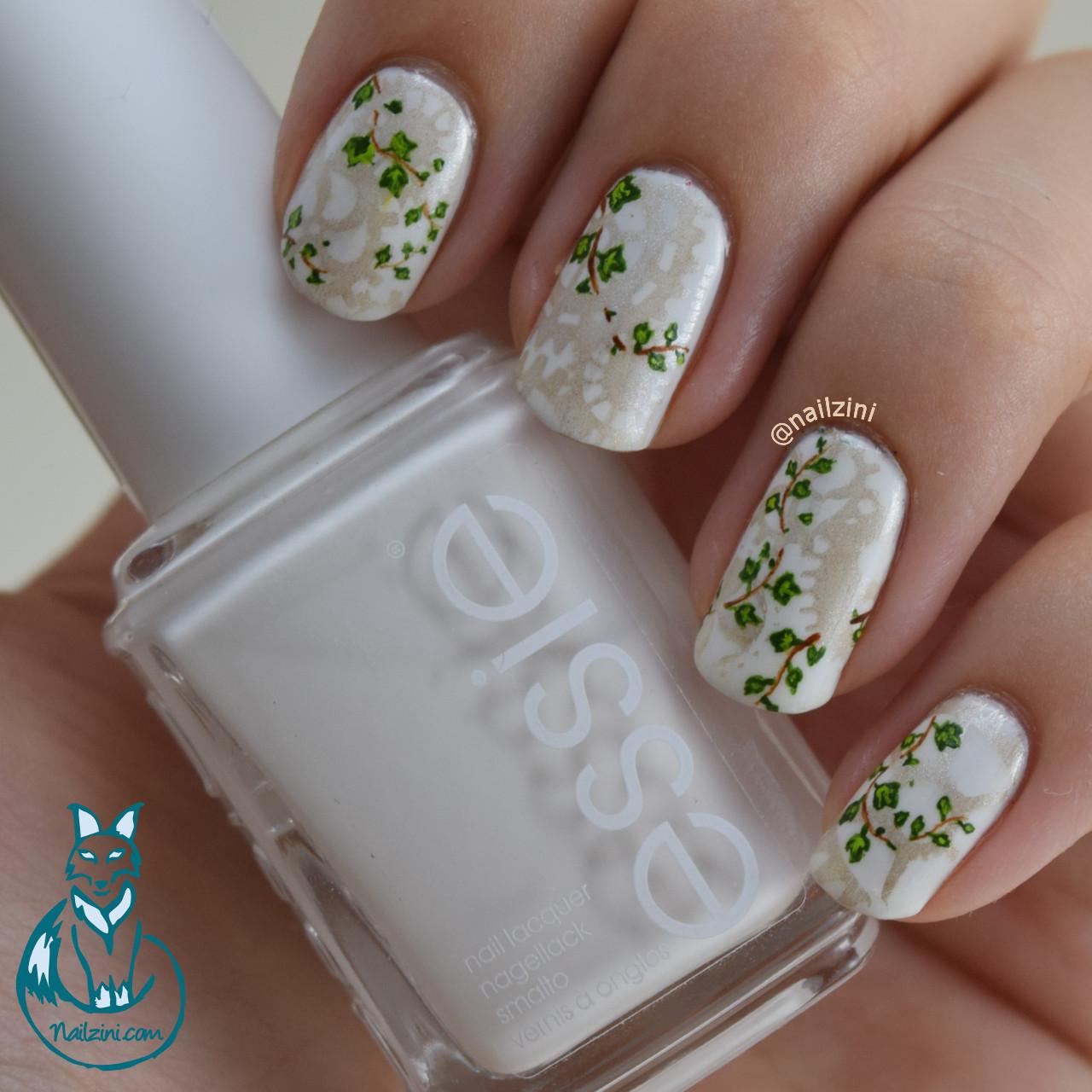 Ivy gears Nail Art Blanc Essie