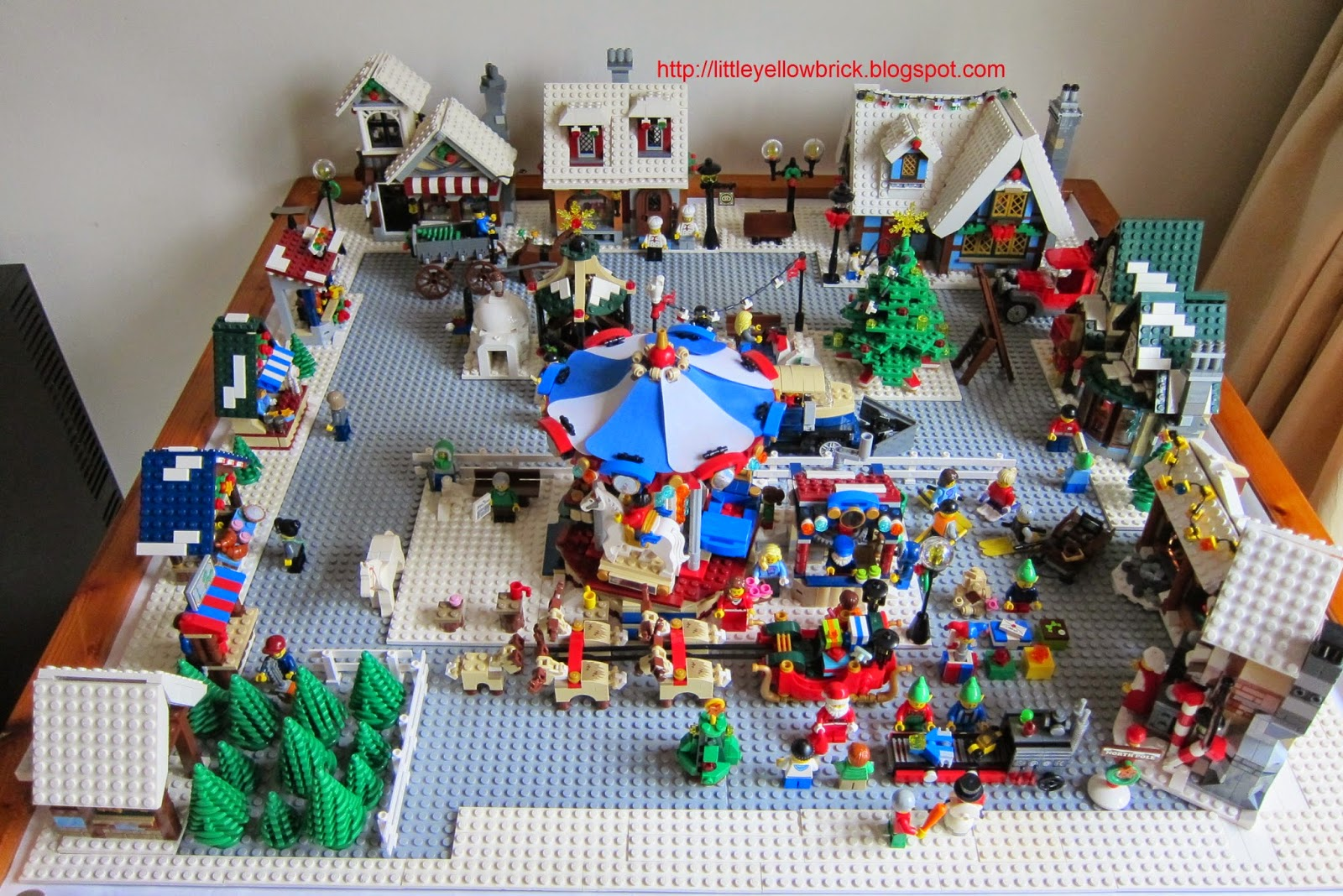 little yellow brick a lego blog our lego winter village LEGO Creator Winter Village Cottage 10229 Christmas Stant 10229