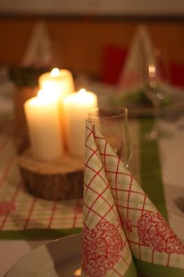 Hüttenabend, Monaco di Bavaria wine shades and wood grains, Hochzeitsmotto, heiraten 2017 im Riessersee Hotel Garmisch-Partenkirchen, Bayern, wedding venue, dunkelrot, dunkelgrün, Weinthema