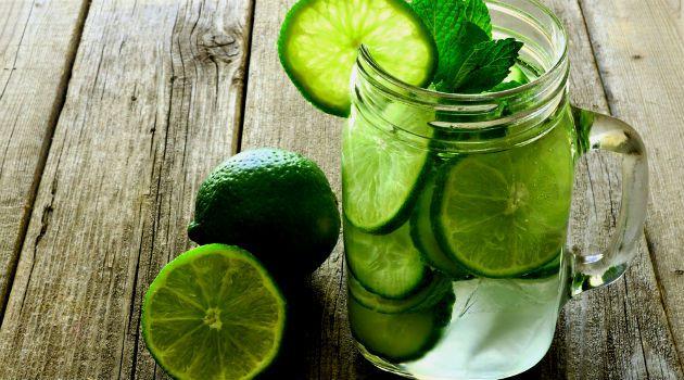 Beba água com limão em vez de pílulas se tiver um desses 13 problemas