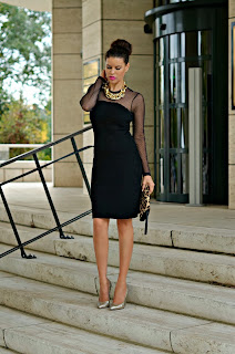 http://tamarachloestyleclues.blogspot.nl/2013/10/one-dress-for-two-occasions-with-not-so.html