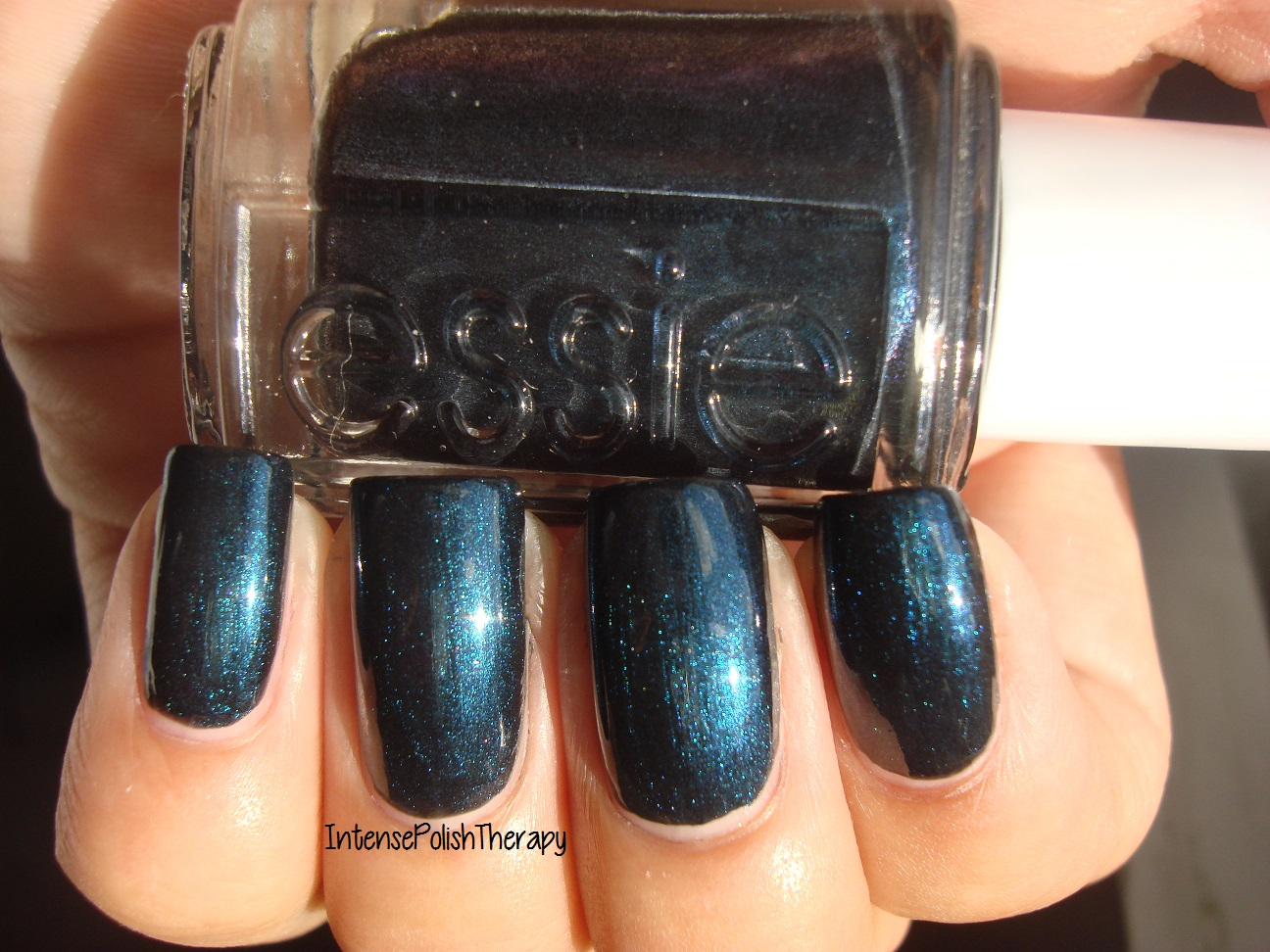 Essie - Dive Bar