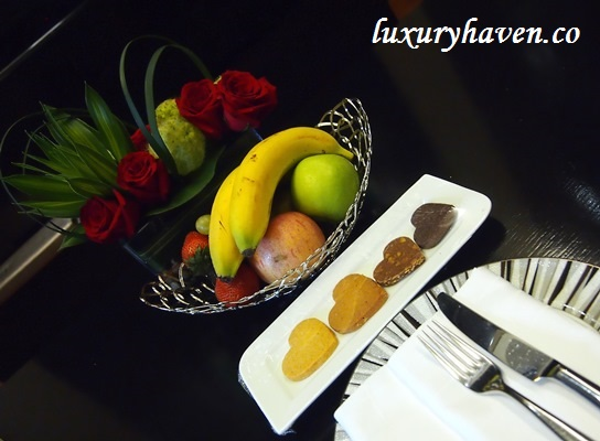 grand park orchard hotel welcome fruit basket