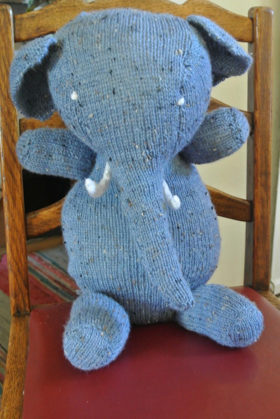 Battersea Dog Blanket Knitting Pattern : Sew many yarns: January 2013
