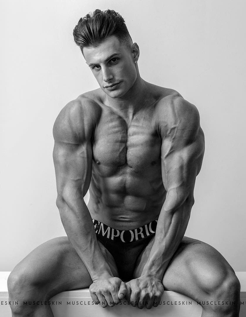 softcore-videos-models-male-exposed