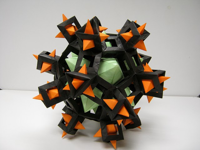 Kusudama Is A Traditional Japanese Art Form Which Has Evolved In To What Now Generally Referred As Modular Origami With Some Remarkable Examples