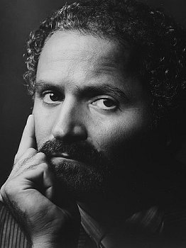 The Styrous® Viewfinder: Gianni Versace, Junior High ...