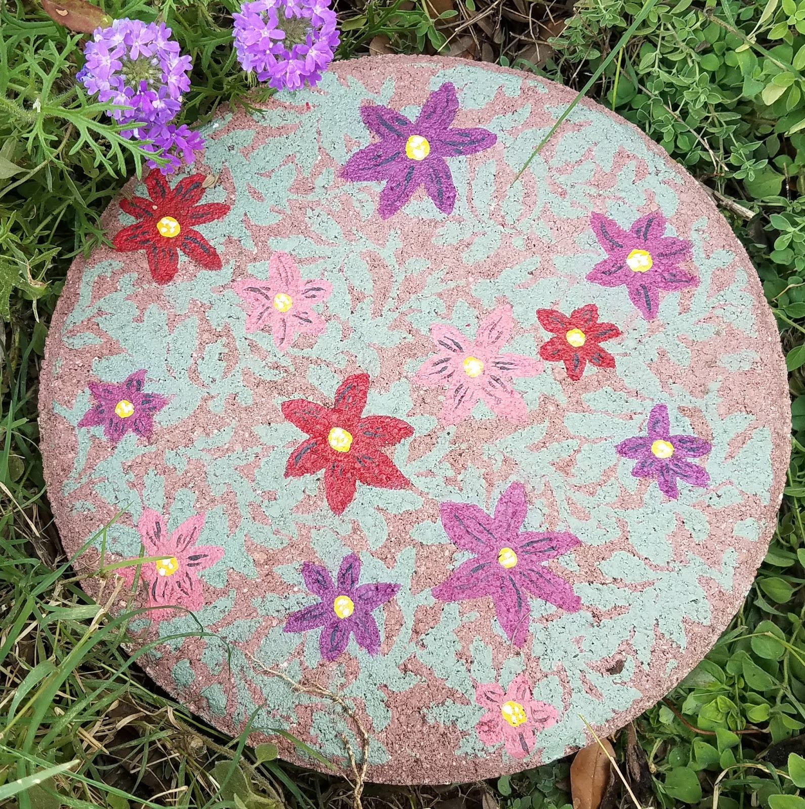 Painted Garden Stones: Scraps Of Reflection: DIY Painted Paverstone Garden Art