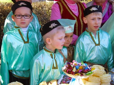 nowruz navruz kyrgyzstan, kyrgyzstan art tours, kyrgyzstan craft textiles traditions